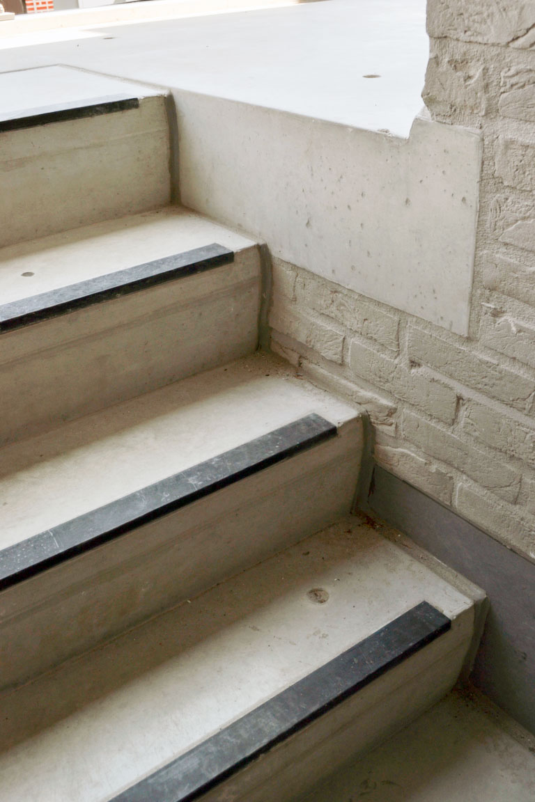 Escaliers pr fabriqu s en b ton betonal - Escalier beton lisse ...