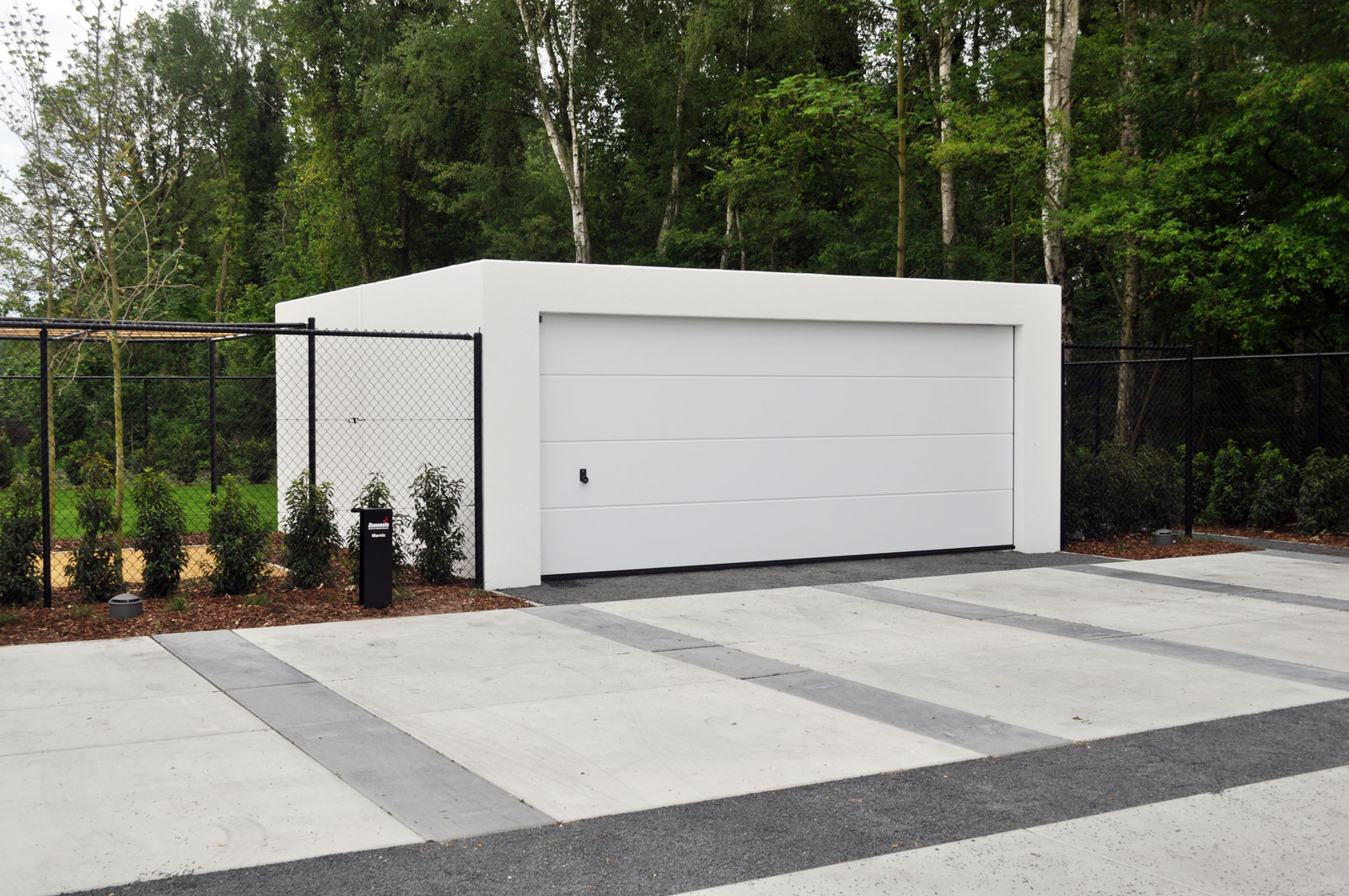 Garages pr fabriqu s en b ton arm betonal - Construction garage prefabrique beton ...