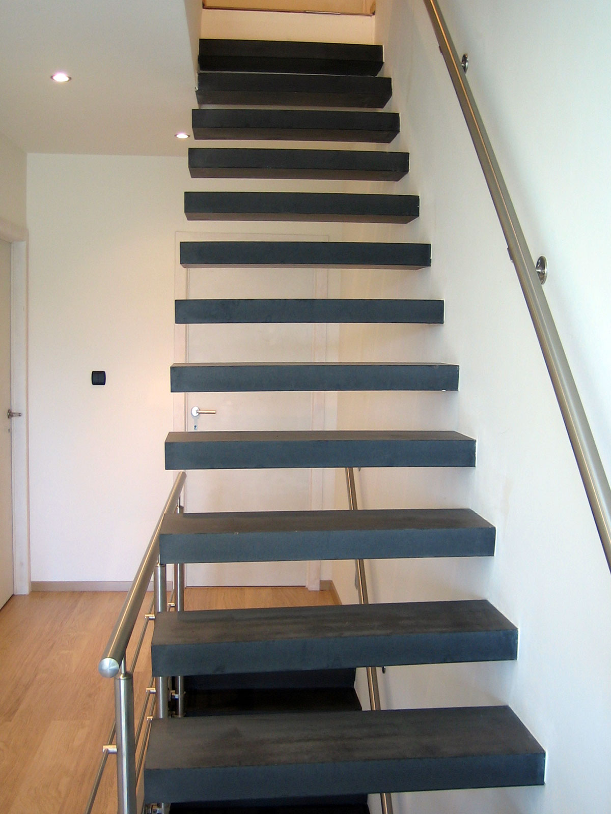 escaliers en b ton betonal. Black Bedroom Furniture Sets. Home Design Ideas