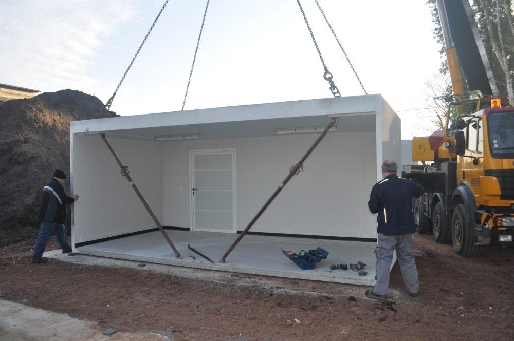 plaatsing van betonnen garage op funderingen