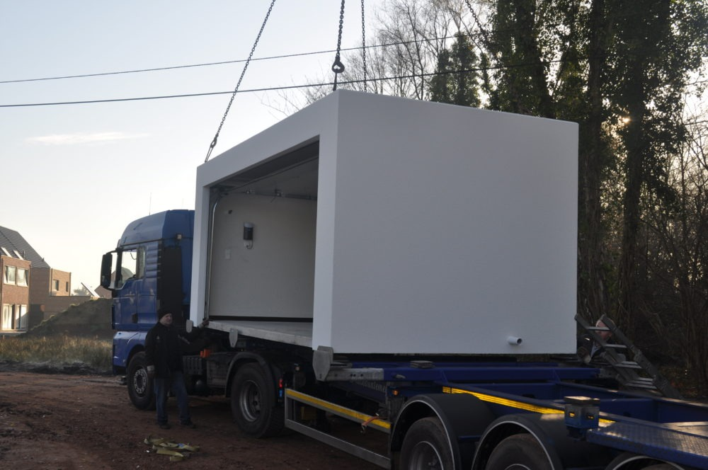 transport levering betongarage op camion